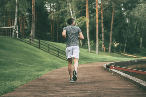 mah jogging in the park