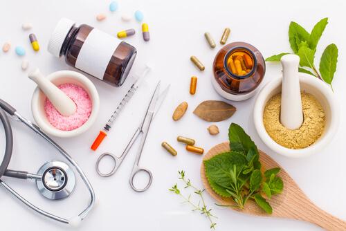 Herbal medicine VS Chemical medicine