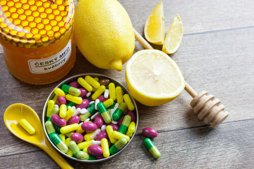pills and lemon