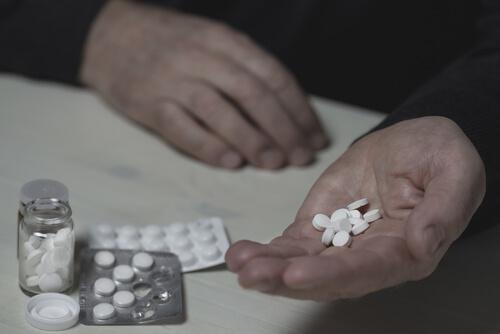Senior man is abusing Baclofen pills