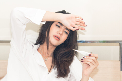 after getting high on Vyvanse, a woman experiencing fever
