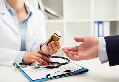 can i take imodium with antibiotics safely