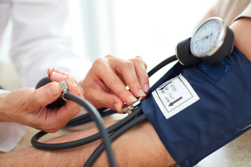 Blood pressure measuring on patient with hypertension