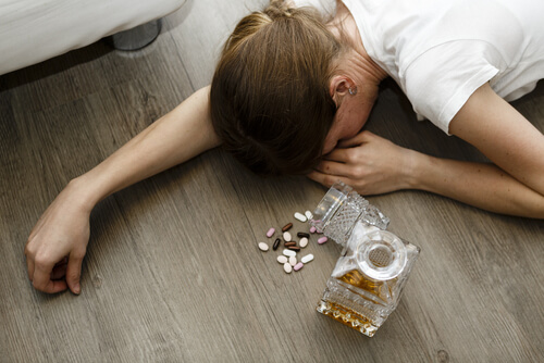 Benadryl And Alcohol: Dangers Of Mixing Diphenhydramine With