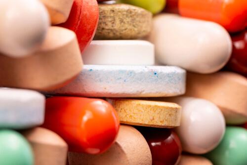 diferent medications taken together