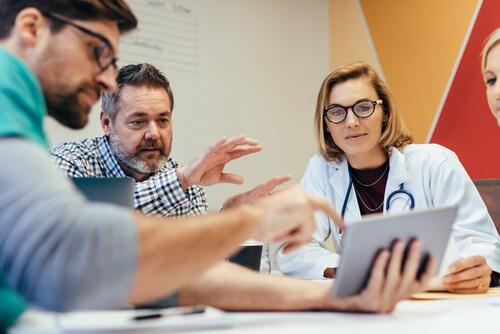 Group of healthcare professionals explaining bath salts detox details