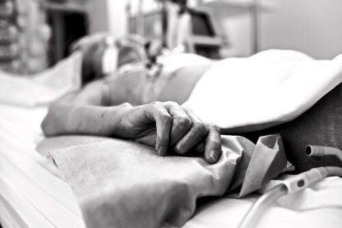 dying patient in emergency care