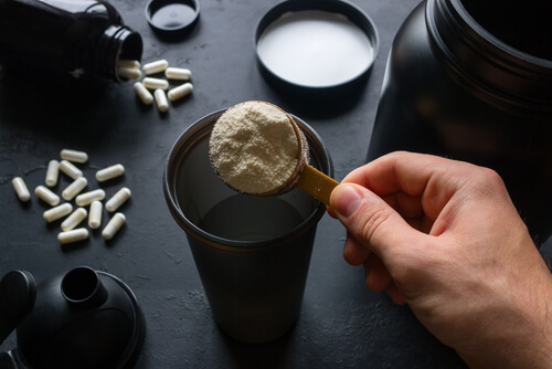 creatine vs steroids