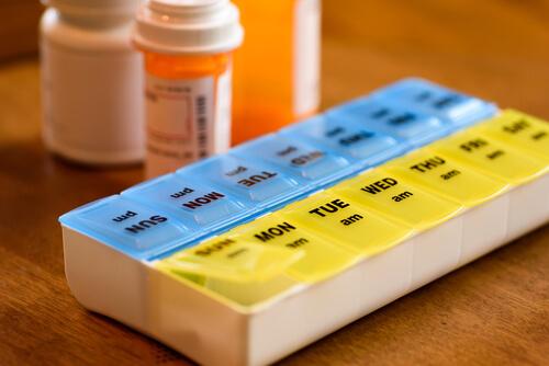 opioid tapering pill holder