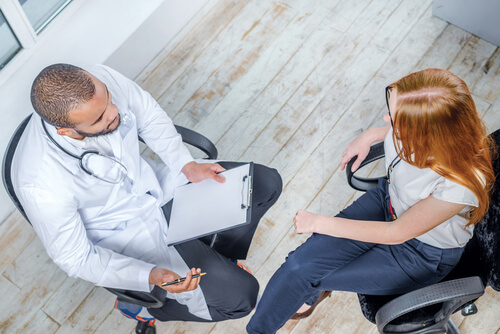 patient talking to doctor about detox