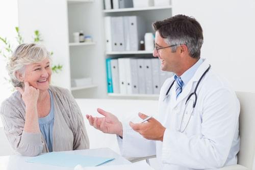 Doctor discuss Seroquel alternatives with senior patient.