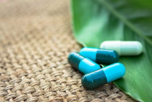 Herbal natural capsule medicine.