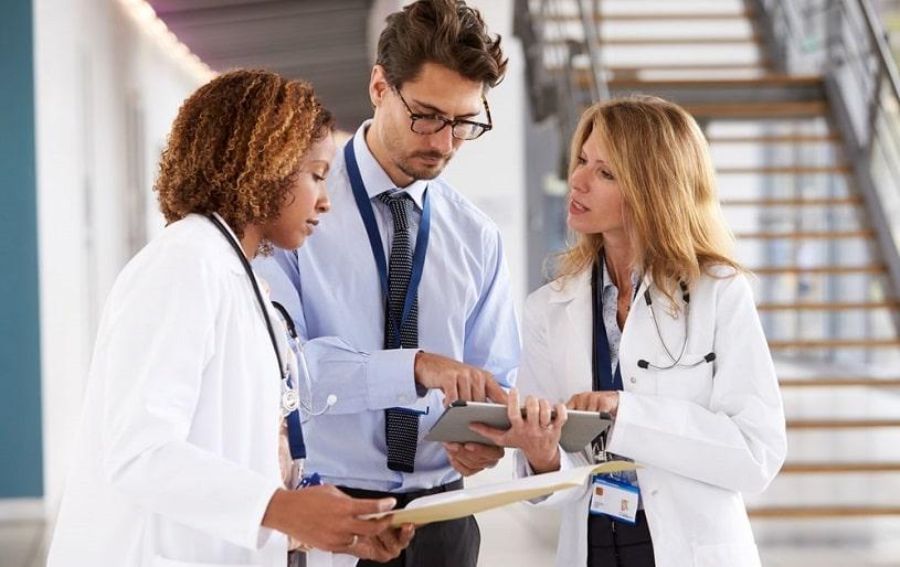 Doctors in detox clinic treating patients.