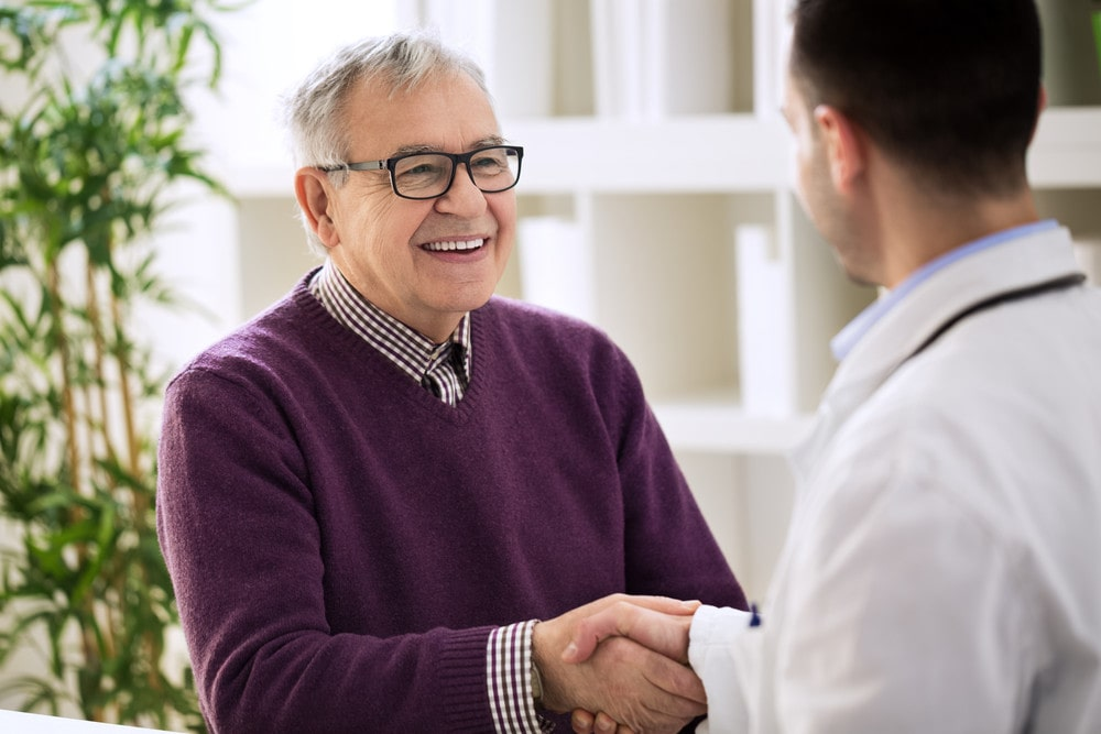 doctor helps a patient with relapse prevention.