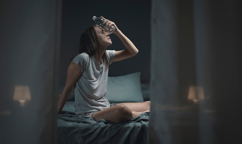 Young woman suffering from effexor withdrawal, feeling bad.