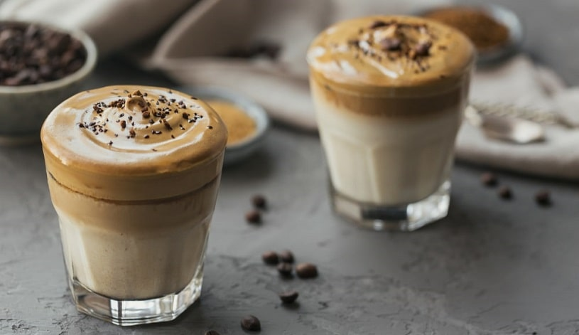 Two glasses with caffeine cocktails.