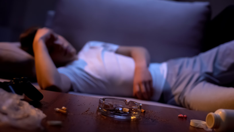A man in sofa has overdosed on Vyvanse.